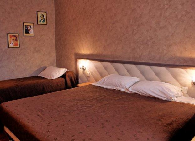 Hôtel Altina chambre triple 2